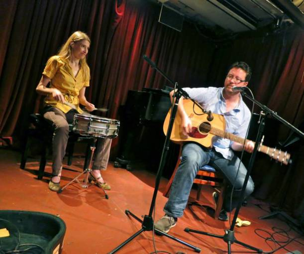 Supersmall drummer Daniela Schiller and guitarist / lead vocalist Colin Dempsey